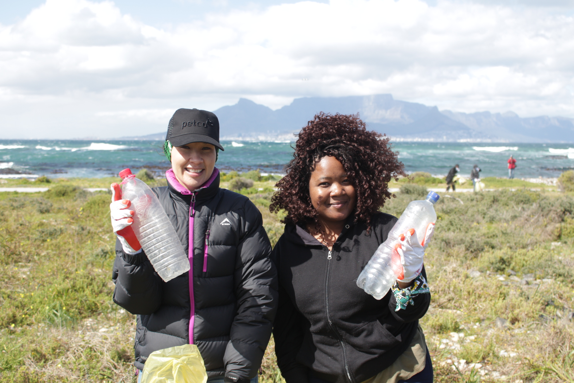 PETCO cleans up Robben Island for International Coastal Clean-up Day
